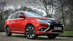 Mitsubishi Outlander PHEV Video Review
