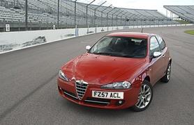 Alfa Romeo 147 Sport and Sport Q2