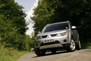 New Mitsubishi Outlander 2.0 DI-D SE and GSE