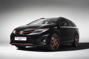 Toyota Auris Touring Sports Black concept