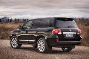The 2012 Toyota Land Cruiser V8