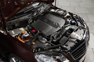 The Mercedes-Benz E 300 BlueTEC HYBRID and E 400 HYBRID