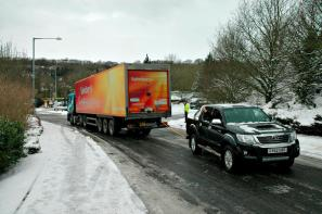 Toyota Hilux rescues stranded truck