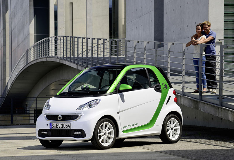 Smart fortwo electric drive available
