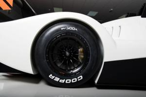 Caterham's new 300bhp racer - the Caterham-Lola SP/300.R