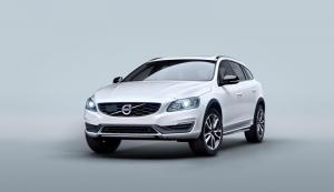 2015 Volvo V60 Cross Country unveiled