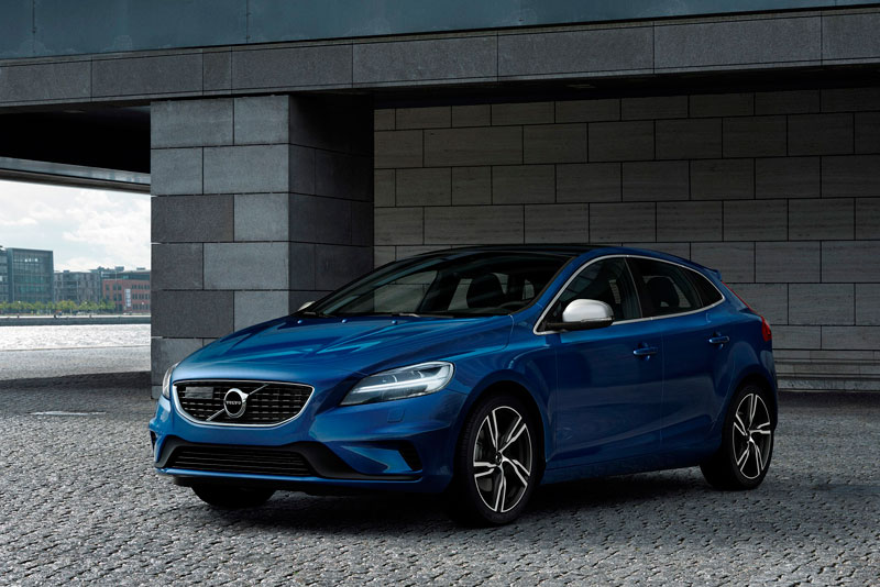 New face for 2017 Volvo V40 | News | TestDriven