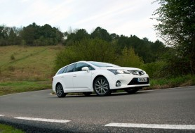 Toyota Avensis range revised for 2013