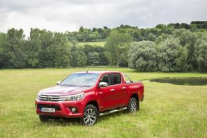 2017 Toyota Hilux Review