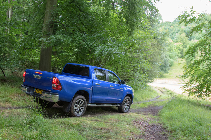 2017 Toyota Hilux Review Reviews Testdriven