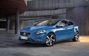 Volvo V40 R-Design and Volvo V40 Cross Country prices set at  £22,295 and £22,595 respectively