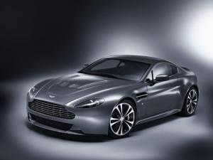 Aston Martin V12 Vantage to debut at Geneva