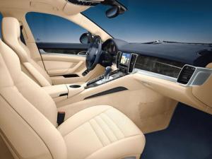 Porsche Panamera interior photos