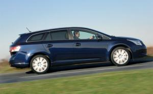 New 1.6-litre Valvematic and 2.2-litre D-CAT 150 engines for Toyota Avensis