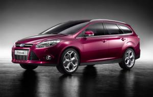 2011 Ford Focus five-door and estate photos revealed
