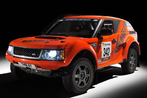 Land Rover and Bowler sign formal brand partnership agreement