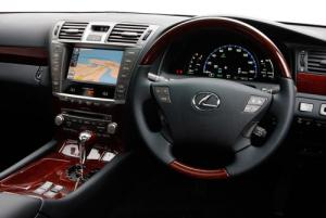 Lexus LS 600h upgraded for 2010