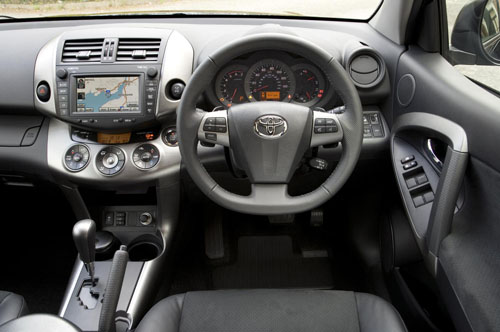 Toyota RAV4 restyled and re-equipped for 2010