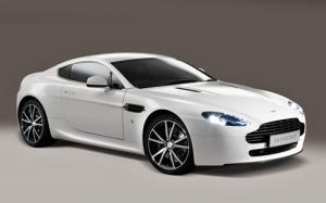 The new, motorsport-inspired Aston Martin V8 Vantage N420