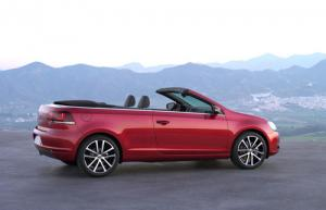 First images of new VW Golf Cabriolet
