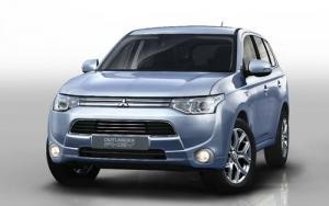 Mitsubishi Outlander PHEV plug-in hybrid SUV to debut at Paris