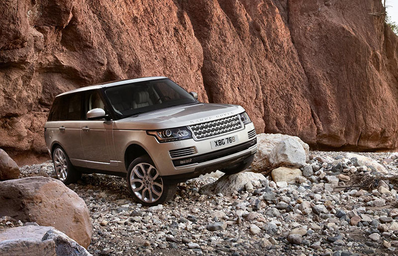 2013 Range Rover triumphs in Sunday Times Driving Top 100 Cars