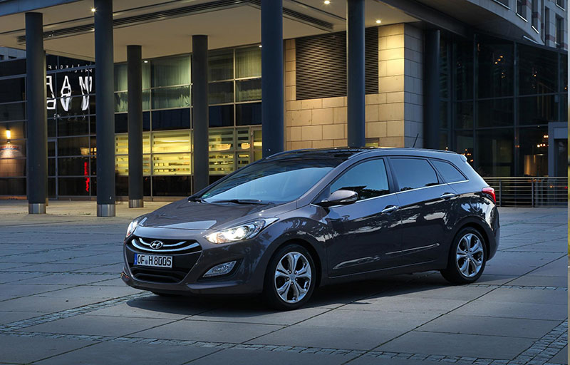 Hyundai adds new Premium trim level to i30 Hatchback and Tourer ranges