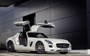 New Mercedes SLS AMG GT and SLS AMG Black Series coming to the UK