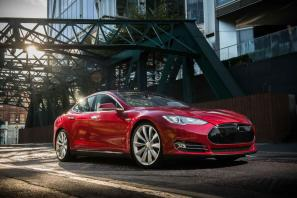 Tesla Model S now available in UK priced from £49,900