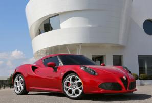 Alfa Romeo 4C on sale October, priced from £45,000