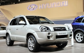 2009 model year Hyundai Tucson gets two-wheel drive option