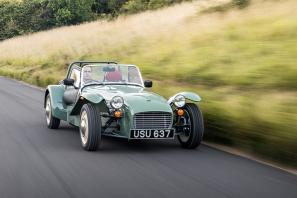 Caterham launches the retro-inspired Seven Sprint
