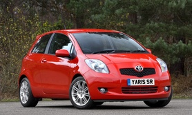 Toyota Yaris SR enhanced with removable TomTom satellite navigation