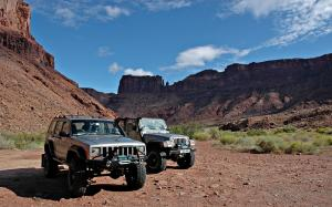 Two Jeeps, twelve thousand miles and one wedding