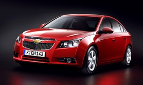 New Chevrolet Cruze first official pictures