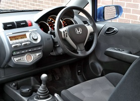 Honda Jazz 14 I Dsi Sport Auto Cvt 7 Testdriven