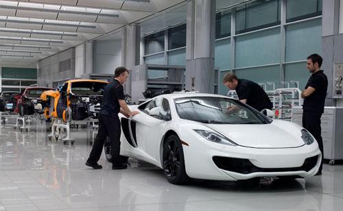 Jenson Button and Lewis Hamilton test the McLaren 12C