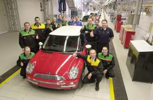 Mini plant celebrates 100 years of car-making in Oxford