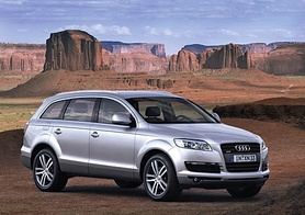 Audi unveils the Q7