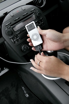 Apple iPod Nano for every new Mazda MX-5 Roadster Coupe