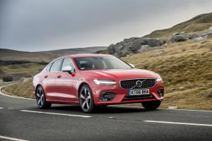 Volvo S90, V90 gain T4 petrol engine option