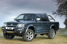 2005 face-lifted L200 range introduced