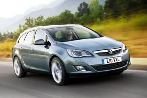 Vauxhall Astra Sports Tourer set to hit UK showrooms by the end of 2010