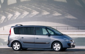 Renault Espace receives revisions for 2005