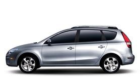 Hyundai reveals first photos of i30 Estate
