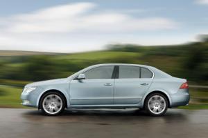 Skoda Superb now with 2.0 TDI CR 140bhp Common Rail diesel engine