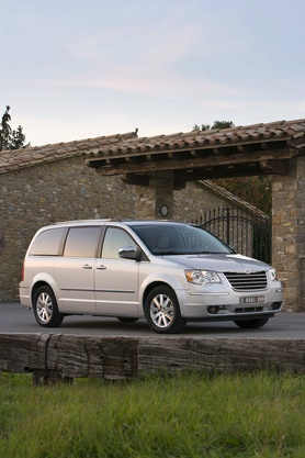 2008 Chrysler Grand Voyager prices announced