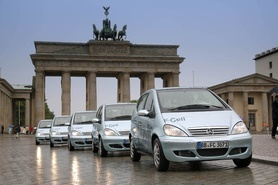 DaimlerChrysler delivers first fuel cell cars to customers in Berlin