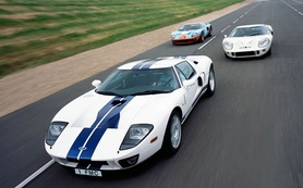First new Ford GT40 arrives in the UK