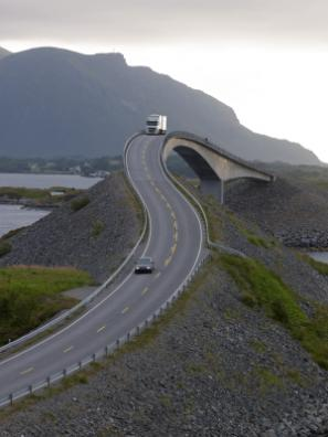 10 Best Driving Routes in the World